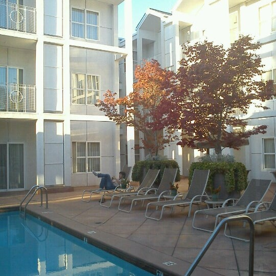 Photo taken at Corporate Inn Sunnyvale by Jim H. on 10/1/2012