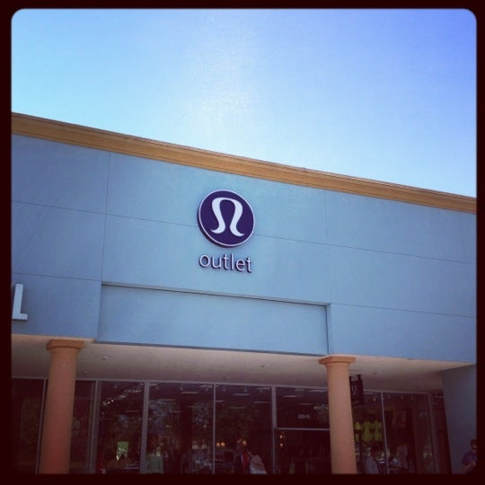 a profile overview of the lululemon athletica company Founded in vancouver, canada, lululemon athletica is a technical athletic apparel company designed by athletes for athletes, our gear is made for yoga, running, training and most sweaty pursuits.
