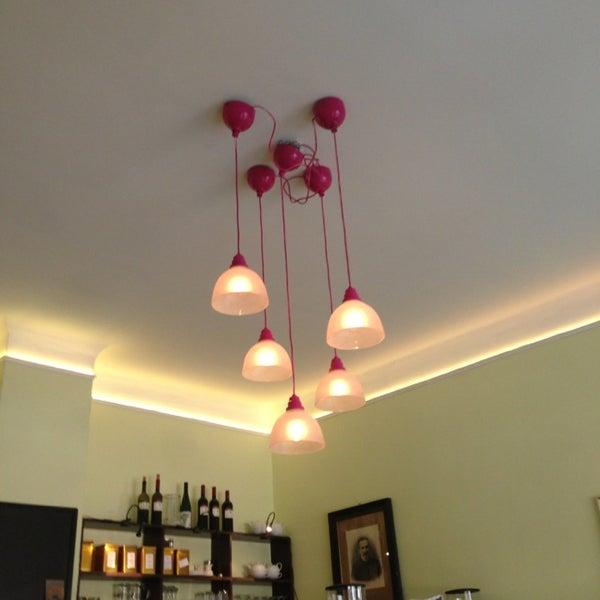 Foto scattata a Café Pfau da Nadine il 4/19/2014