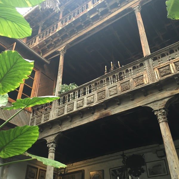 Foto tomada en La Casa De Los Balcones por Jo N. el 2/8/2015