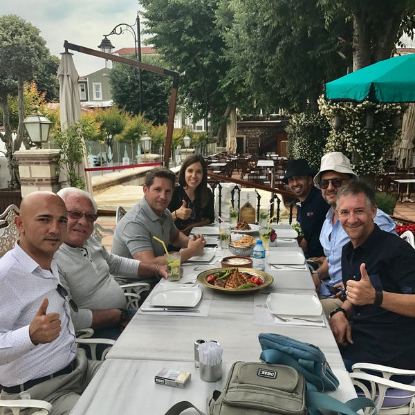 6/17/2017 tarihinde Vehbi S.ziyaretçi tarafından Mihri Restaurant & Cafe'de çekilen fotoğraf