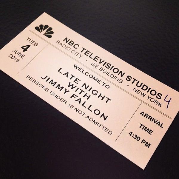 Foto tirada no(a) Late Night with Jimmy Fallon por Sarah C. em 6/4/2013