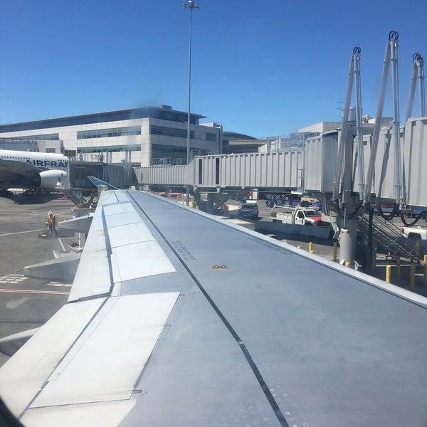 Denver United Terminal: Airport Terminal In San Francisco