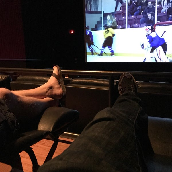Photo taken at Regal Cinemas Green Hills 16 by Fernando A. on 8/15/2017