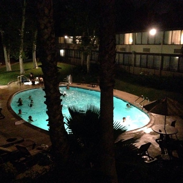 Снимок сделан в Best Western Valencia Inn пользователем S.B. R. 6/29/2014