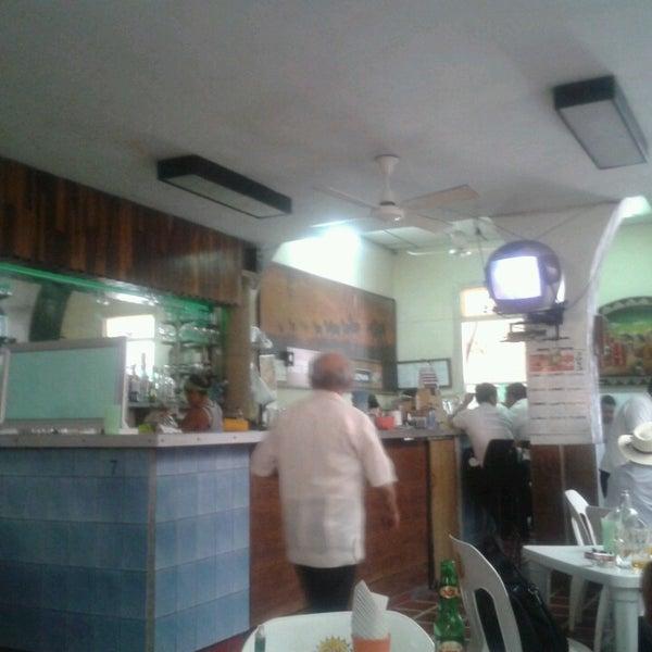 Foto tomada en Bar latino por MANU R. el 3/30/2013