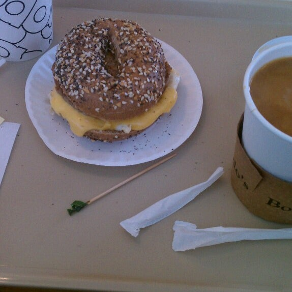 Photo taken at Bodo's Bagels by Meredith K. on 8/11/2013