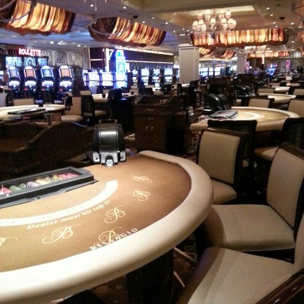Photo prise au Bellagio Hotel & Casino par Corina Frankie le4/16/2013