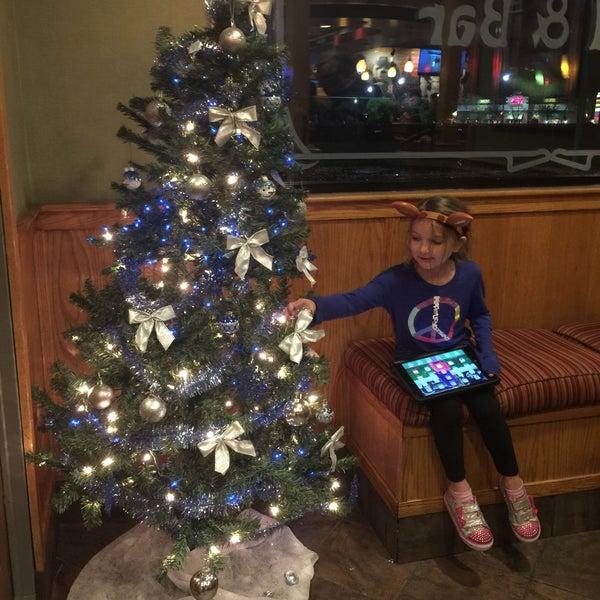 Photo taken at Applebee's by Sherri P. on 12/11/2016
