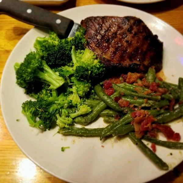 Photo taken at Applebee's Neighborhood Grill & Bar by Sherri P. on 6/30/2017