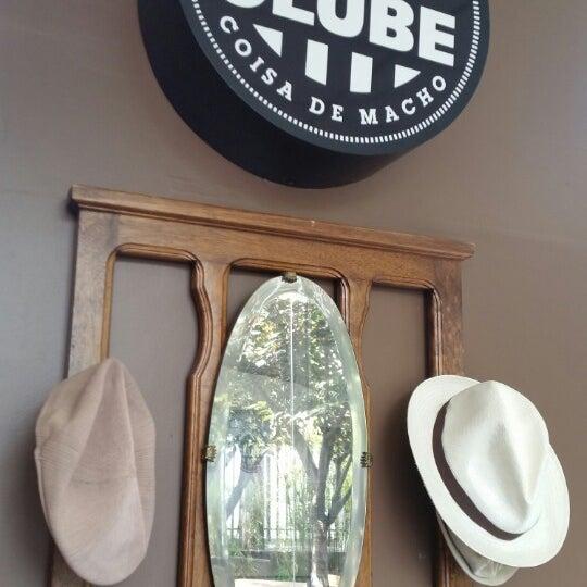 Foto tirada no(a) Barbearia Clube por Mateus M. em 2/4/2015