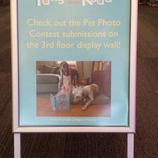7/21/2014에 Kathy R.님이 Niles Public Library District에서 찍은 사진