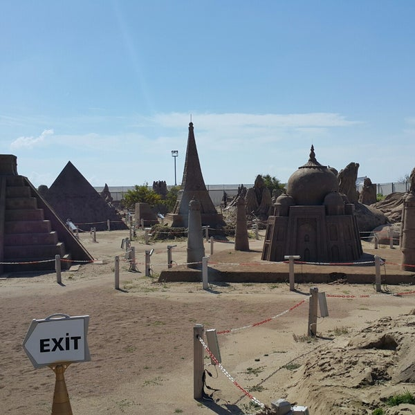 3/14/2018 tarihinde Bugra M.ziyaretçi tarafından Sandland'de çekilen fotoğraf