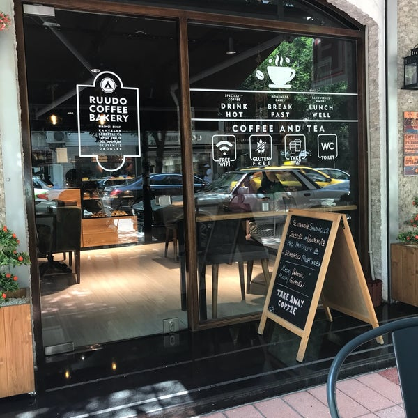 7/17/2018 tarihinde Özge E.ziyaretçi tarafından Ruudo Coffee & Bakery'de çekilen fotoğraf