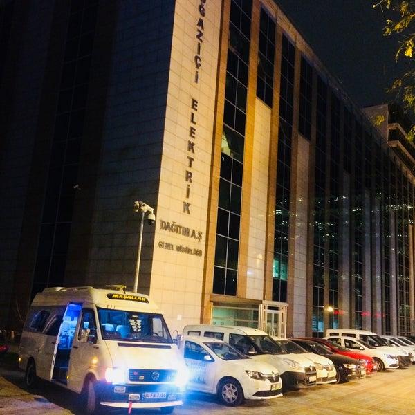 Foto scattata a Boğaziçi Elektrik Genel Müdürlüğü (Bedaş) da Abdulmuttalip T. il 11/16/2017