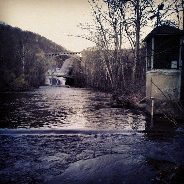 Photo taken at Croton Gorge Park by Milton on 11/14/2012