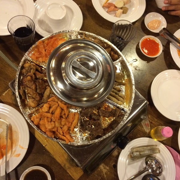 Photo taken at Mak Engku Steamboat & Grill by Erina H. on 4/14/2016