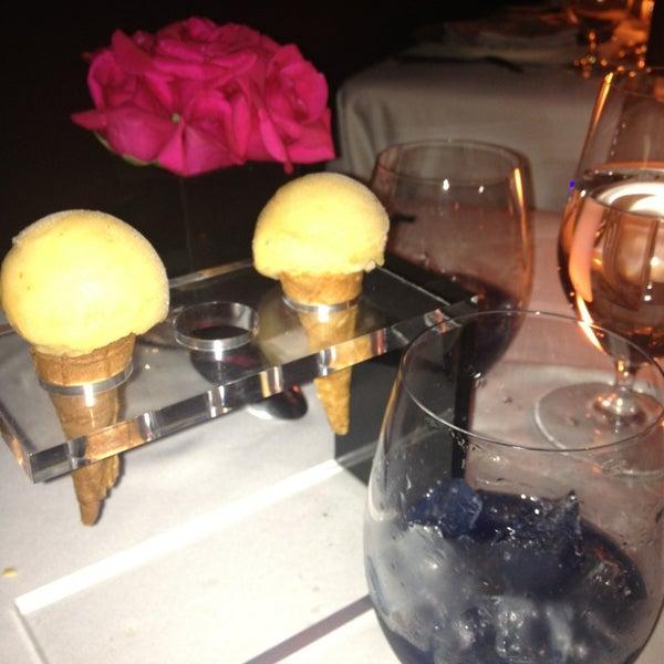 Foto tomada en Jaso Restaurant por Adriana M. el 5/30/2013