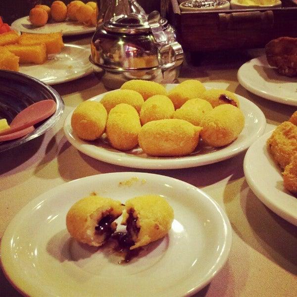 Foto tirada no(a) Bela Vista Café Colonial por Mani M. em 2/27/2013