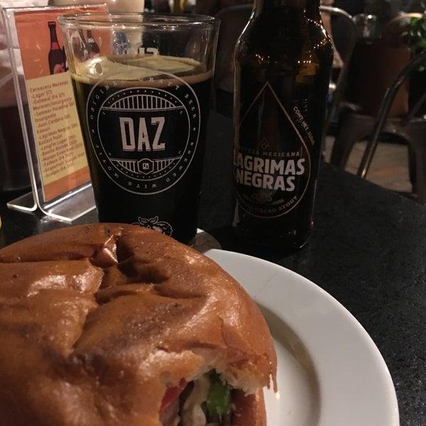 Foto tomada en Duke's Burgers & Beer por Blanca L. el 9/10/2018