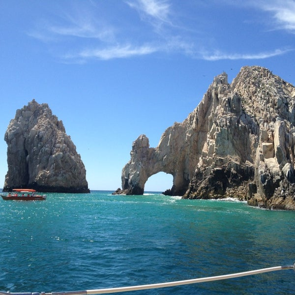 Where's Good? Holiday and vacation recommendations for Cabo San Lucas, Mexico. What's good to see, when's good to go and how's best to get there.