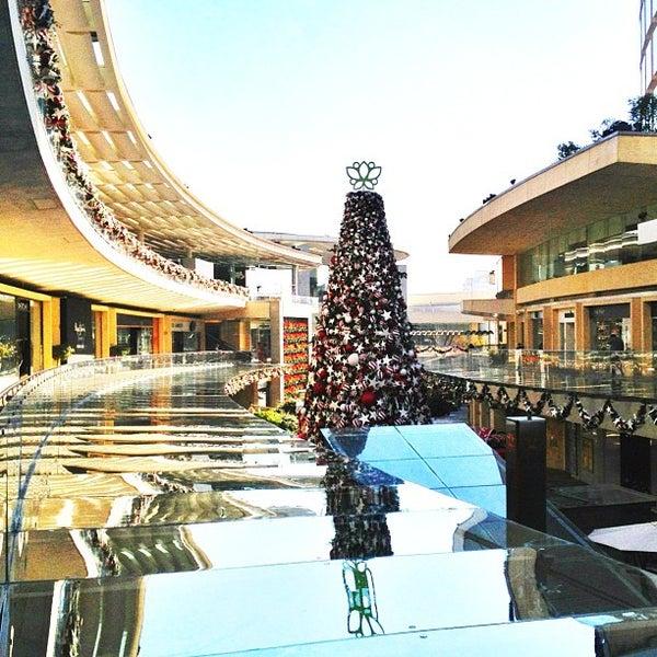 Foto tomada en Antara Fashion Hall por Alex R. el 12/7/2012
