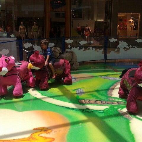 Carrinhos eletrônicos em formato de bichinhos de pelúcia para crianças