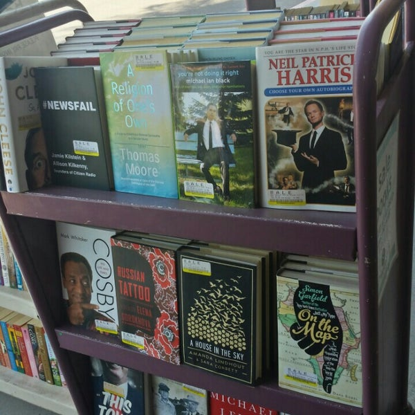Photo taken at Changing Hands Bookstore by Alisha A. on 8/12/2015