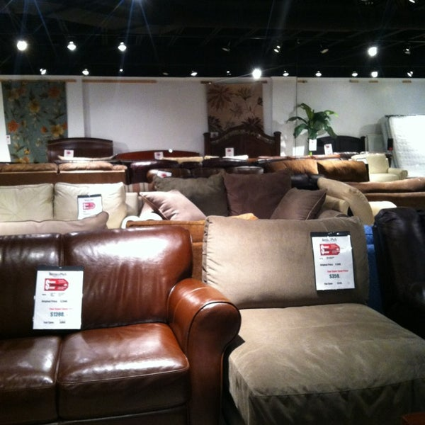 Bernie Phyl 39 S Furniture Southeast Nashua 243 Daniel Webster Hwy