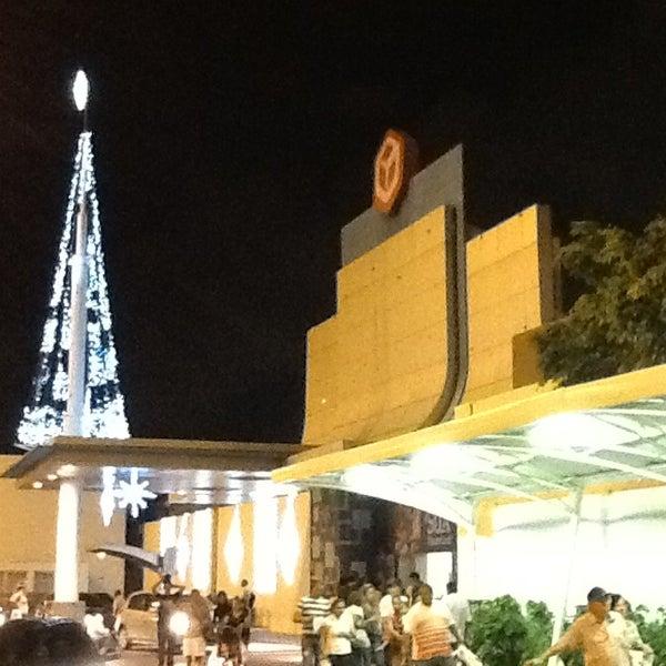 Photo taken at Shopping Recife by Alex Elyott M. on 12/19/2012