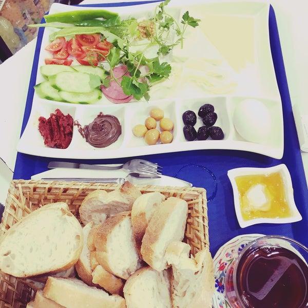 2/7/2016 tarihinde Fatih Y.ziyaretçi tarafından Otlangaç Kahvaltı & Kafe'de çekilen fotoğraf