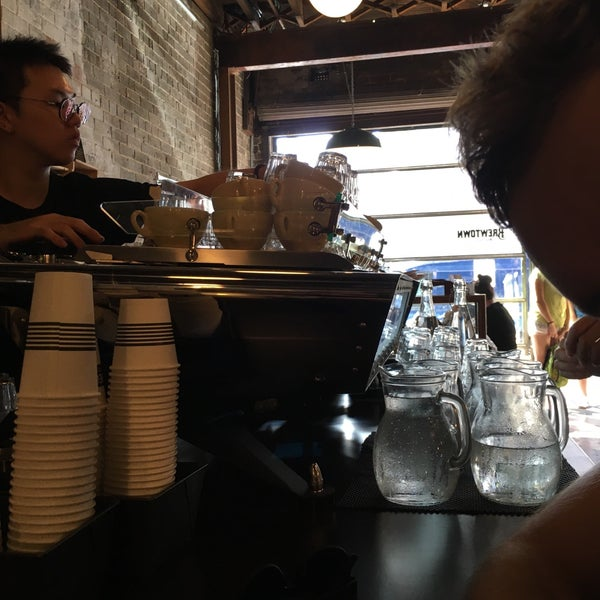 Brewtown newtown caf in newtown for Table 9 newtown