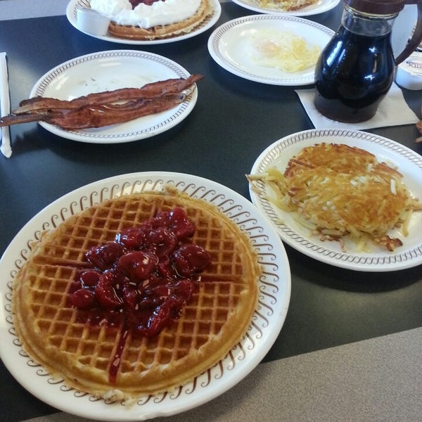 Photo taken at Waffle House by DarkBry on 6/16/2013