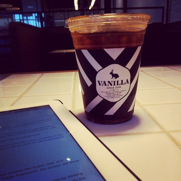 Photo taken at Vanilla Crepe Cafe by Ryuji380 on 4/26/2013