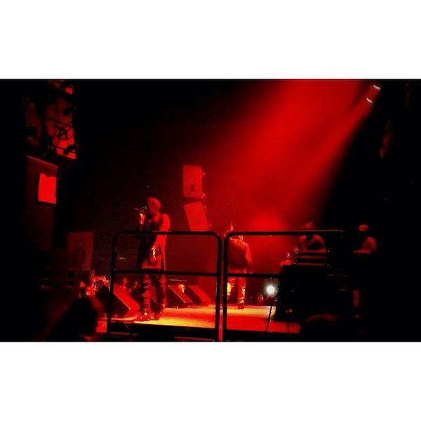 รูปภาพถ่ายที่ Summit Music Hall โดย Gino C. เมื่อ 10/16/2013