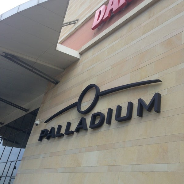 Photo taken at Palladium by YAWUZ on 3/26/2013