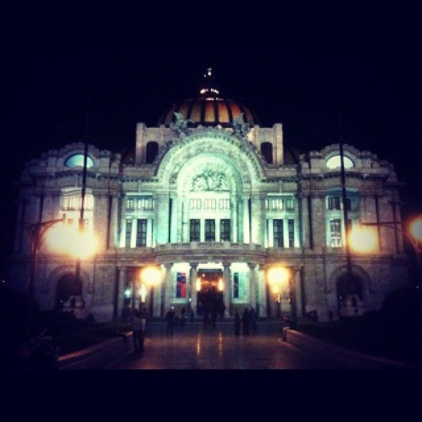 Foto tomada en Palacio de Bellas Artes por Esteban B. el 6/14/2013