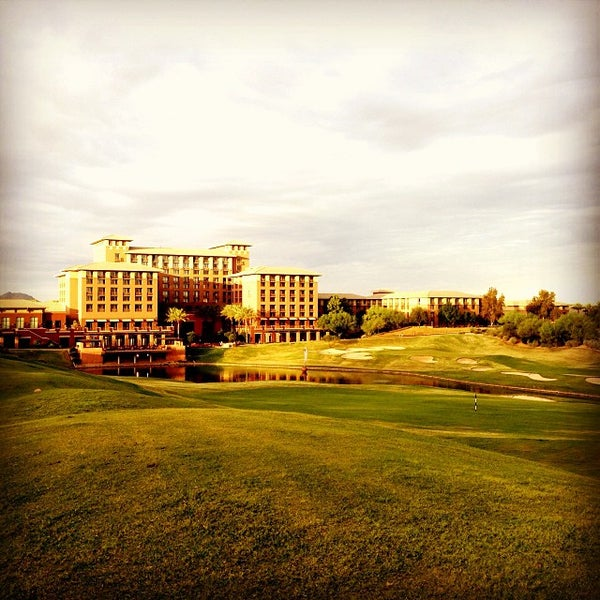 Photo taken at The Westin Kierland Resort & Spa by Victor G. on 9/27/2013