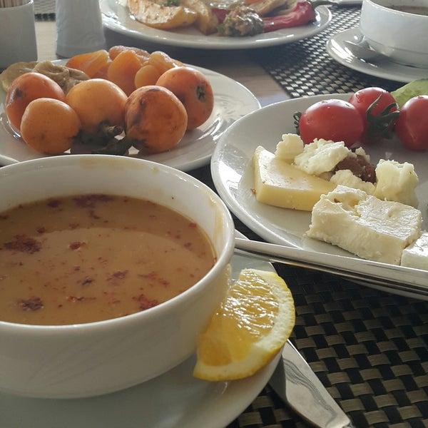 5/21/2017 tarihinde Ayşegül K.ziyaretçi tarafından Sah İnn Restaurant'de çekilen fotoğraf