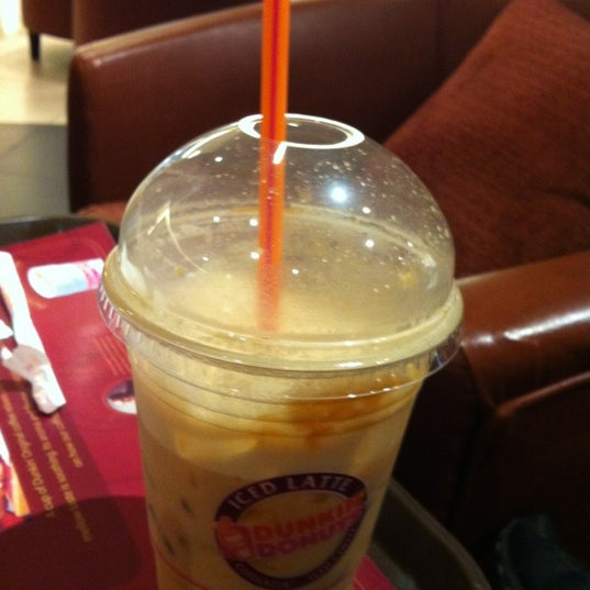 Photo taken at Dunkin Donuts by Hamid A. on 11/19/2012