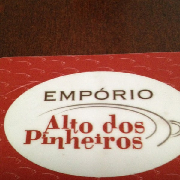 Foto tirada no(a) Empório Alto dos Pinheiros por Daniel A. em 3/17/2013
