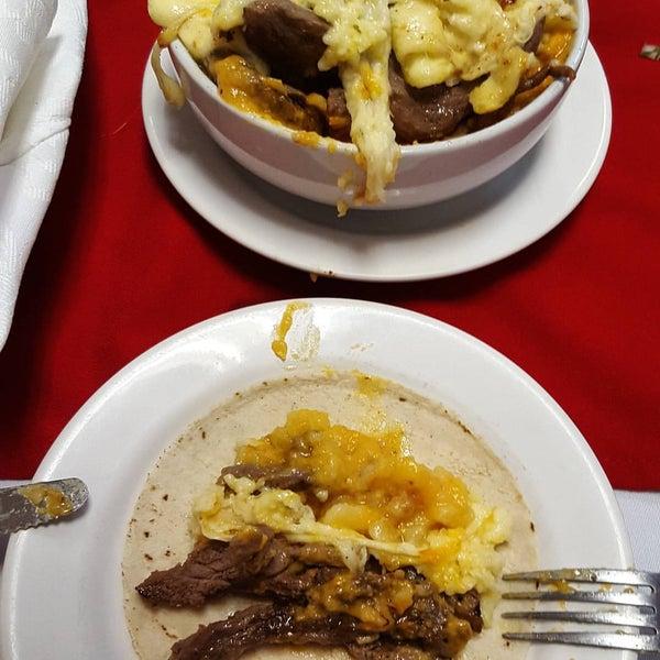 Foto tomada en Restaurante El Matador por Jim J. el 4/21/2016