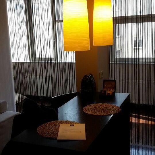 Das Foto wurde bei MyPlace Hotel City Centre von Elodie F. am 2/14/2016 aufgenommen
