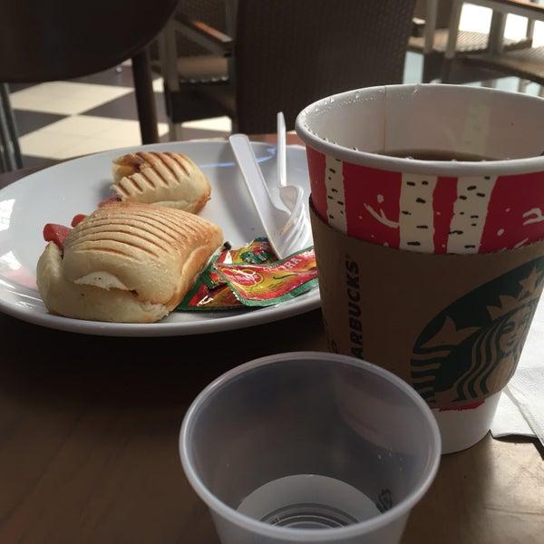 Photo taken at Starbucks by said hafidh on 12/8/2016