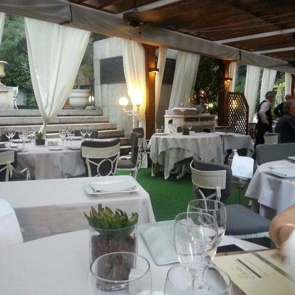 Foto tomada en M29 Restaurante Hotel Miguel Angel por Nacho D. el 7/23/2014