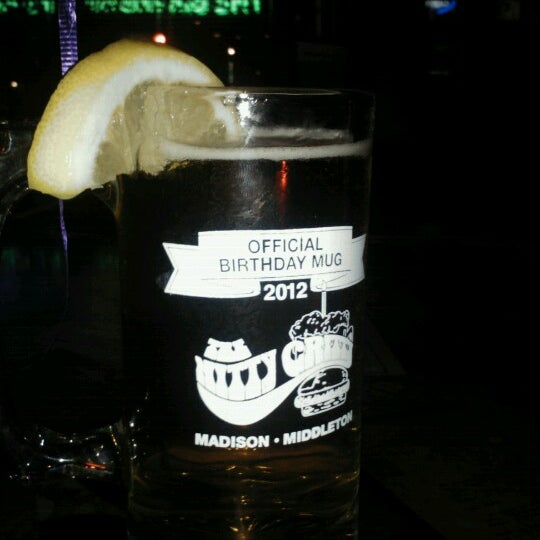 Photo taken at Nitty Gritty Restaurant & Bar by Abbey B. on 11/22/2012