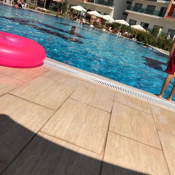 รูปภาพถ่ายที่ Ulu Resort Hotel โดย Hakan Ö. เมื่อ 9/14/2017