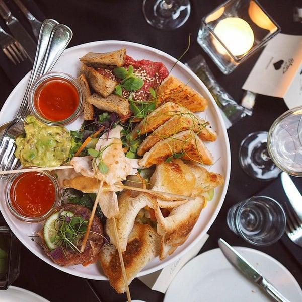 Das Foto wurde bei HEART Restaurant & Bar von Heart M. am 6/15/2015 aufgenommen