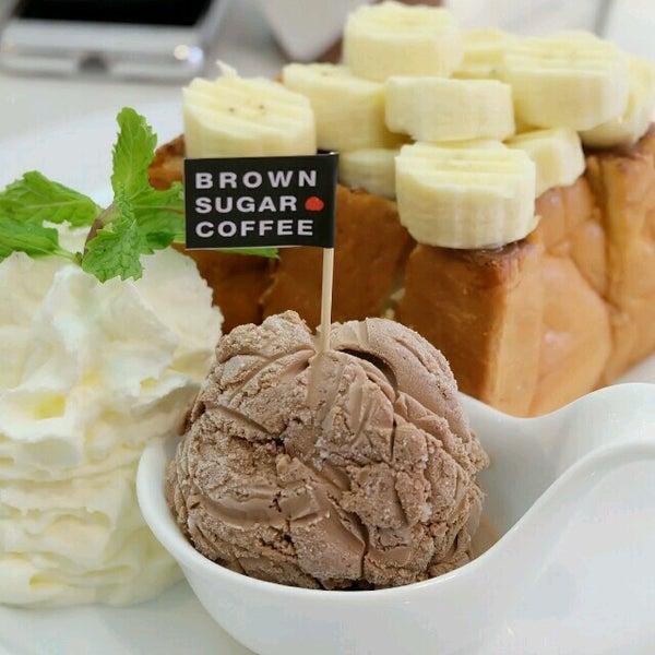 Photo taken at brown sugar cafe by Kemaru K. on 12/11/2016