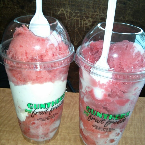 Photo taken at Gunther's Quality Ice Cream by 🍉🌽🍍Tay D. on 4/8/2013